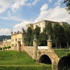 Un castello di giardini