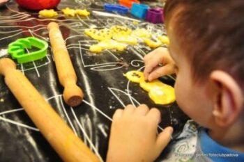 """""""Mondi Paralleli"""": Laboratori didattici e ricreativi in Pediatria"""