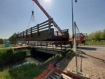 Sono iniziati, lunedì 19 aprile, i lavori di demolizione e ricostruzione di quattro ponti ciclopedonali