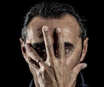 Giuseppe Giacobazzi – Noi, mille volti e una bugia